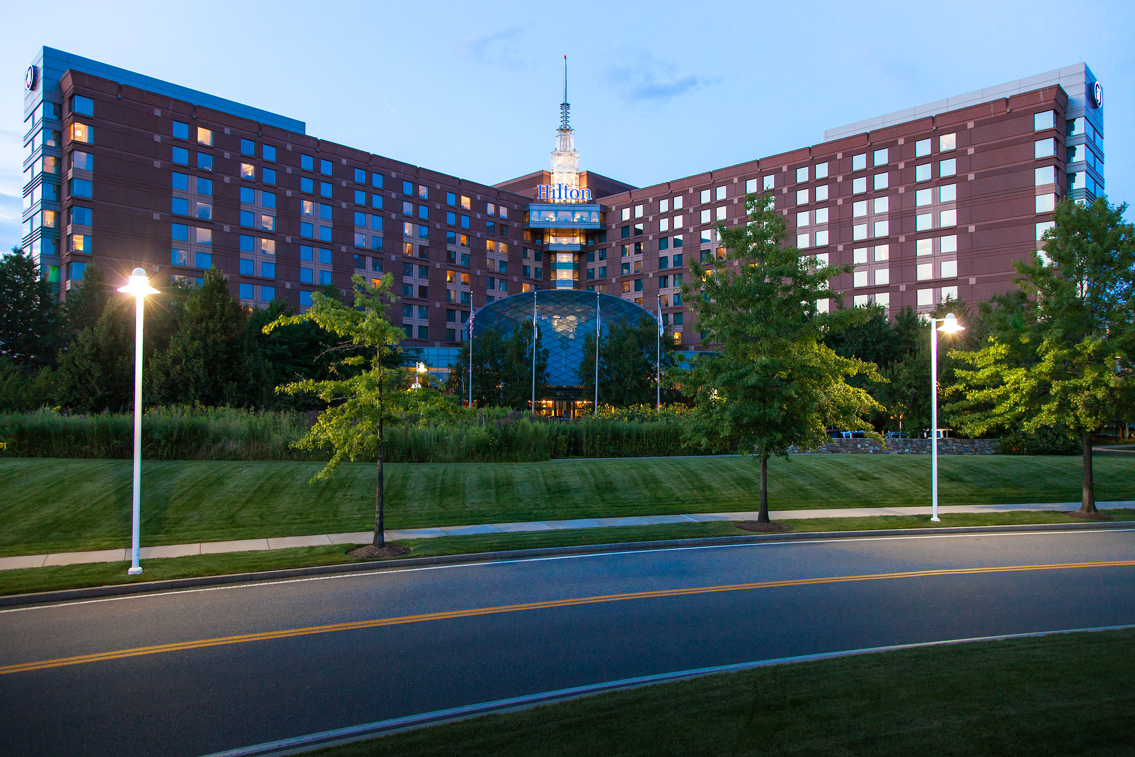 hotels at boston logan international airport. Black Bedroom Furniture Sets. Home Design Ideas